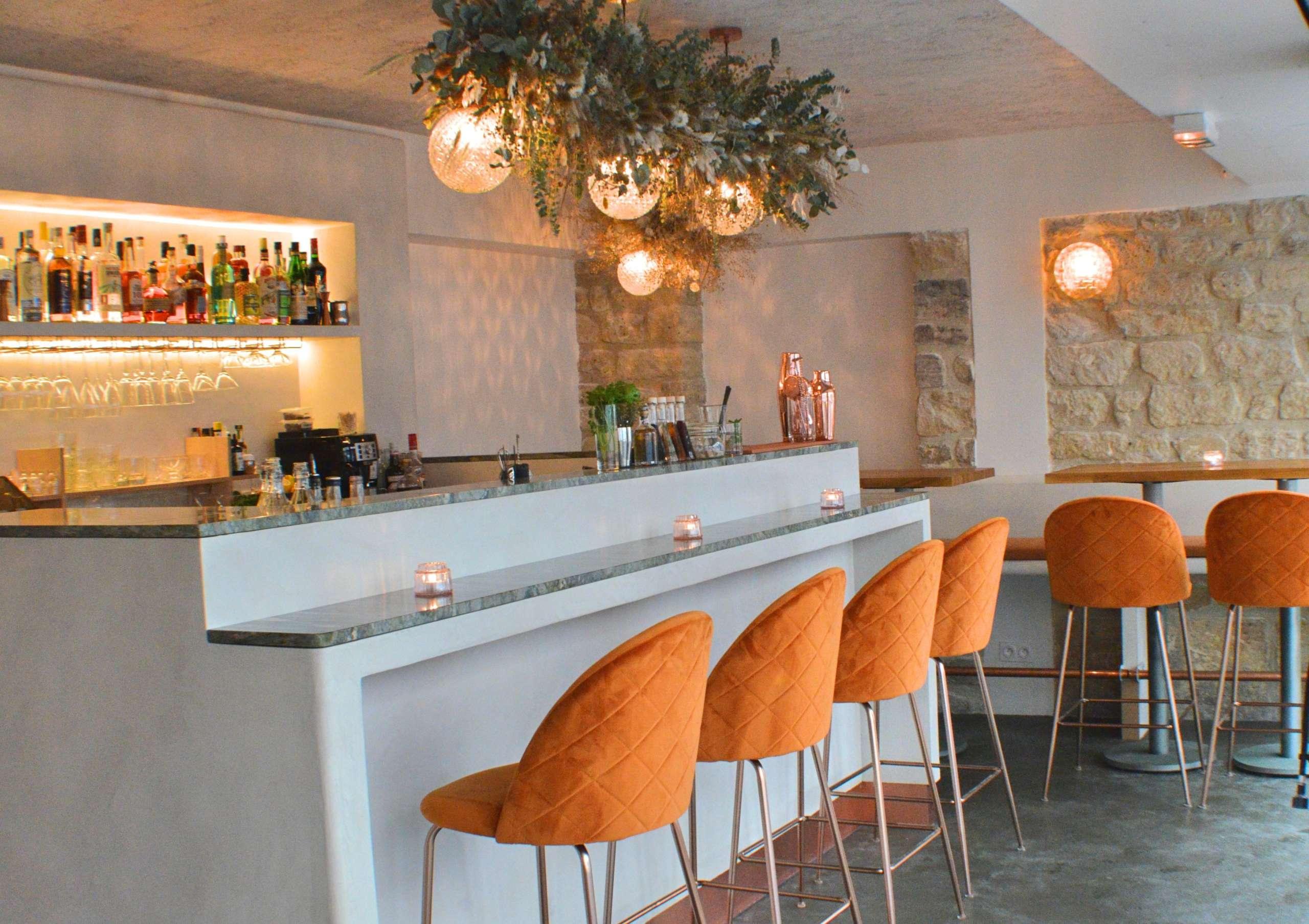 Dirty Lemon Bar Interior